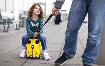 Детские чемоданы (каталки)