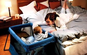Манежии манеж-кровати