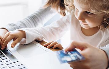 Можно ли оплатить услугу банковской картой?