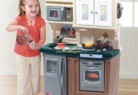 Детская игровая кухня Step 2  «Новые традиции»
